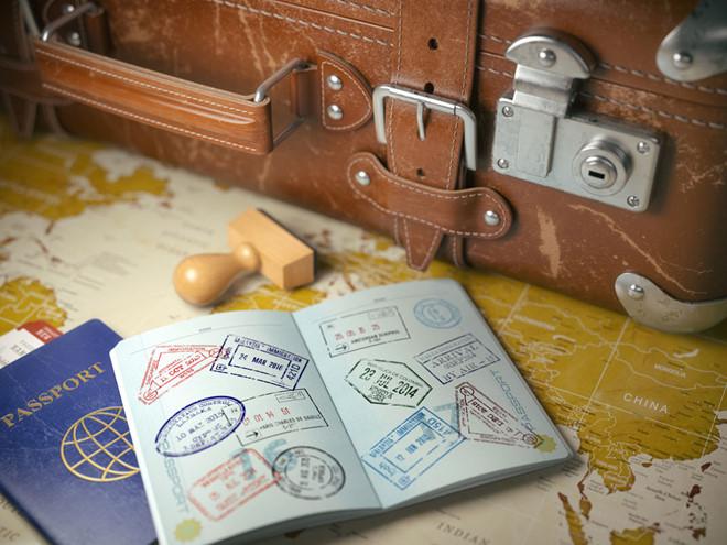 Bạn nên mang theo Passport, Visa và giấy tờ tuỳ thân bên người trong suốt hành trình